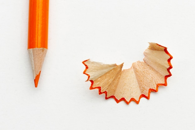 Ołówek w kolorze pomarańczowym