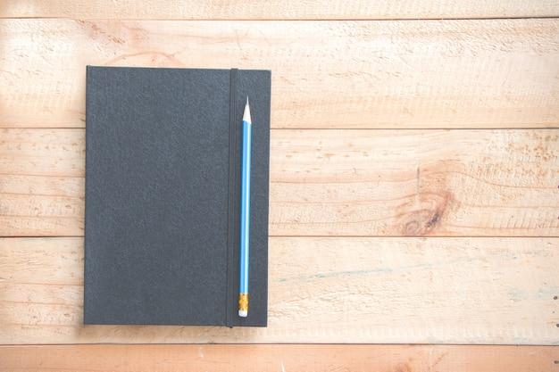 Ołówek z notatnikiem