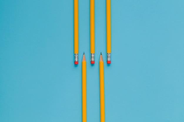 Ołówki na niebiesko
