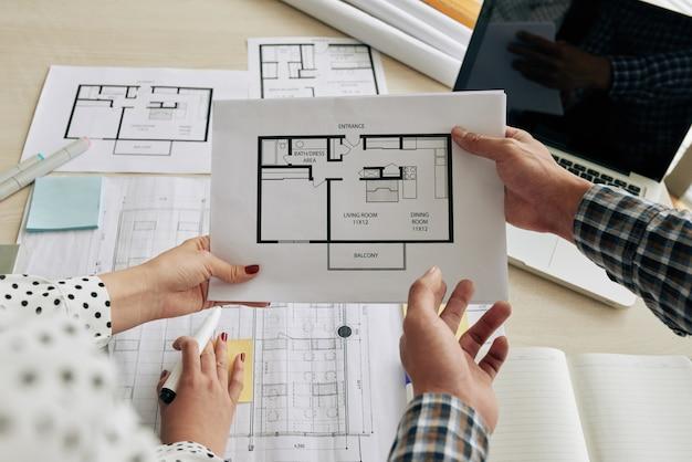 Omawianie planu budynku