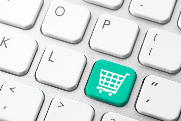 Online wózek na zakupy ikona dla pojęcia handlu elektronicznego