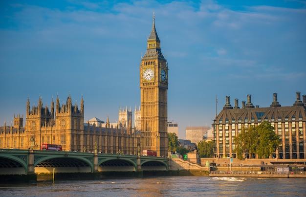 Opactwo westminsterskie i big ben, londyn, wielka brytania