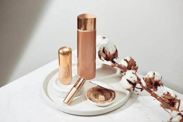 Opakowania kosmetyczne projektują kosmetyki