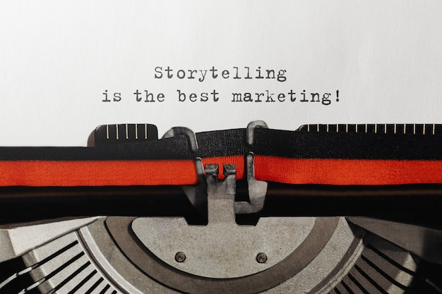 Opowiadanie tekstów to najlepszy marketing napisany na maszynie do pisania w stylu retro