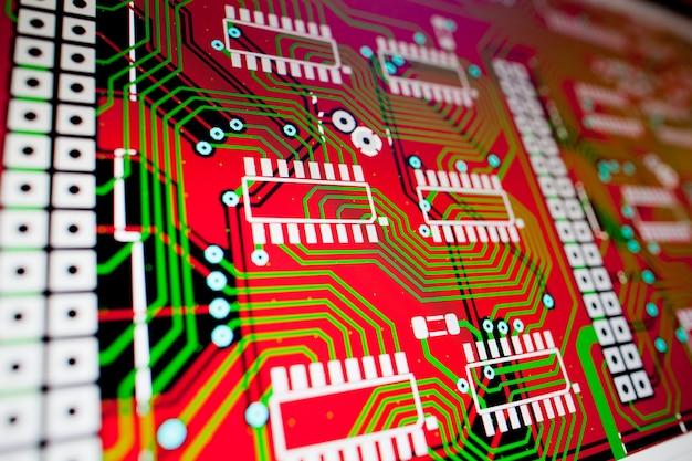 Opracowanie płytki elektronicznej na ekranie komputera