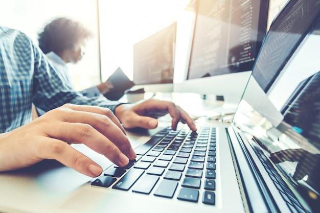 Opracowanie programisty team development projektowanie stron internetowych i technologie kodowania