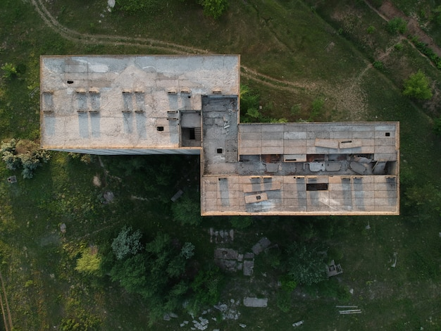 Opuszczony plac budowy budynku mieszkalnego