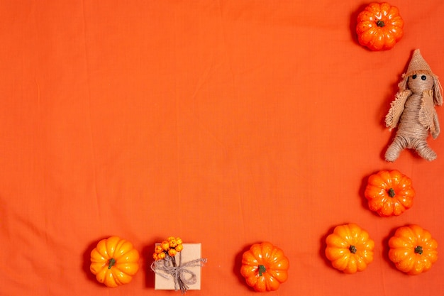 Orahge halloween tło zdobione dyni