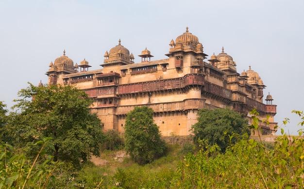Orchha palace, madhya pradesh. literował także orcha, słynny cel podróży w indiach.