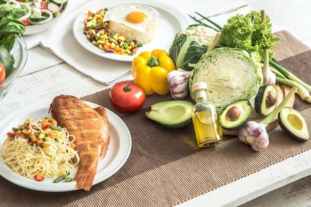 Organiczna zdrowa żywność na stole
