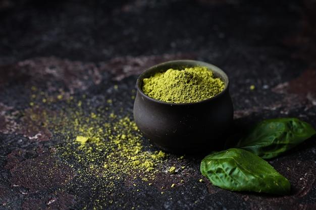 Organiczna zielona herbata matcha w proszku