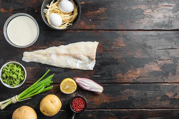 Organiczne składniki rybne z frytkami ciasto piwne z filetów z białej ryby