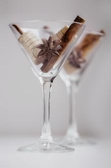 Orientalne przyprawy do aromatycznego grzanego wina z koktajli