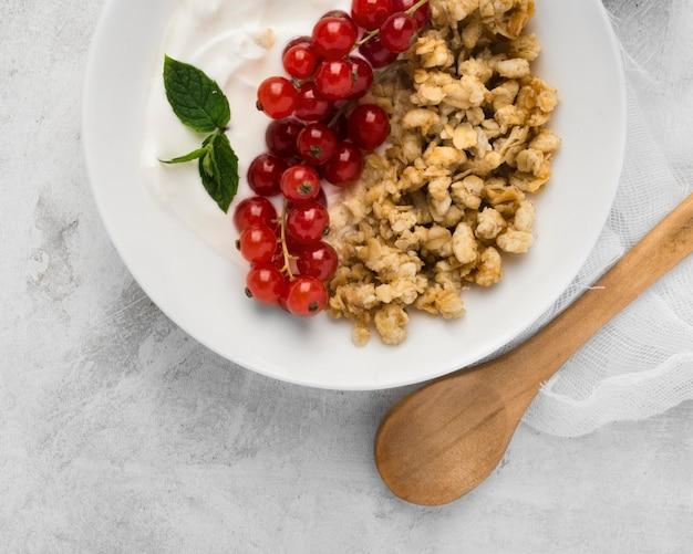 Orzechy i owoce koncepcja zdrowej żywności