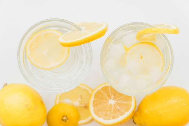 Orzeźwiające zimne napoje cytrusowe