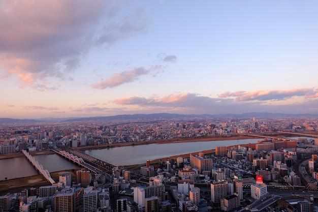 Osaka, miasto w japonii, widok z lotu ptaka z budynku umeda sky building.