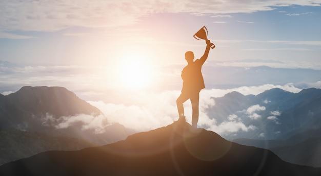 Osiągnięcia i celu biznesowego sukcesu pojęcie.