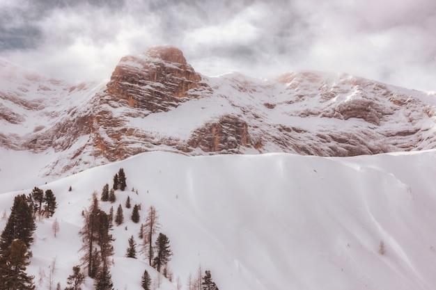 Ośnieżona góra