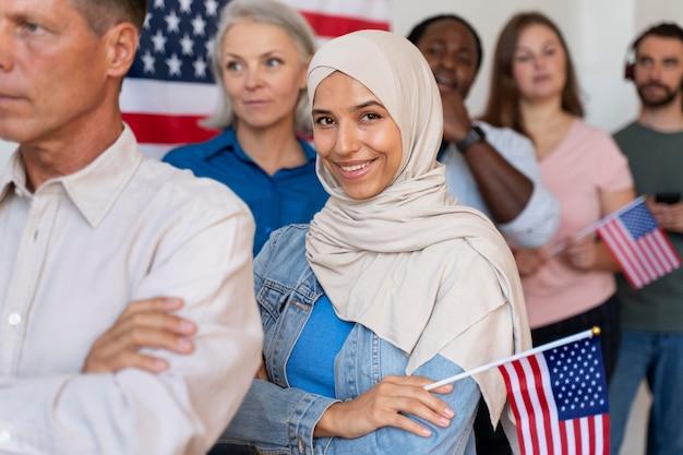 Osoby czekające na rejestrację do głosowania w stanach zjednoczonych