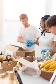 Osoby zajmujące się darowiznami