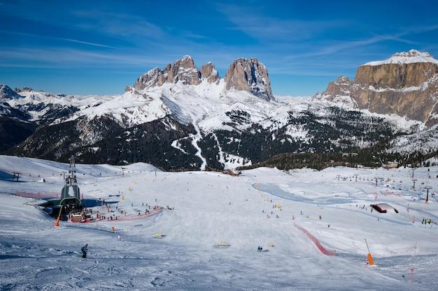 Ośrodek narciarski w dolomitach, włochy