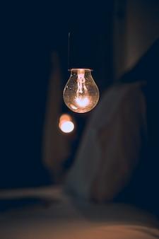 Oświetlenie starej żarówki architektury lampy