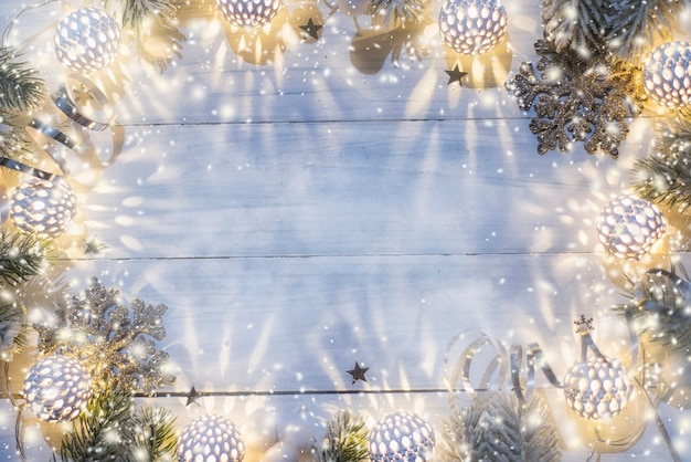 Oświetlenie świąteczne. widok z góry, leżał płasko, kopia przestrzeń.