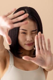 Oszałamiający portret modelki azjatyckiej kobiety
