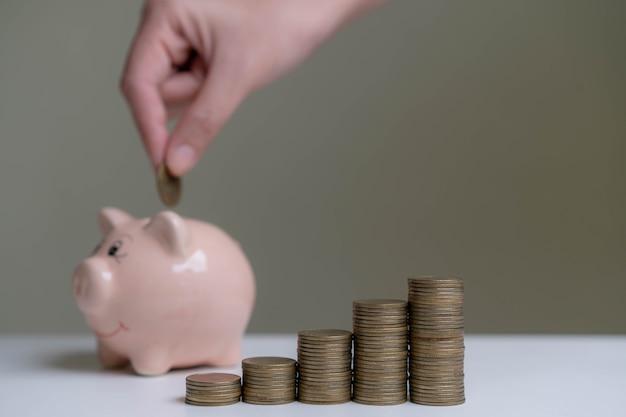 Oszczędność pieniędzy na przyszłe inwestycje
