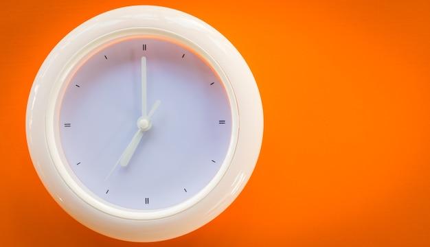 Oszczędność pieniędzy, oszczędność czasu na życie