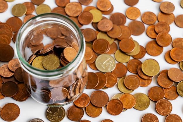 Oszczędzaj pieniądze i kont bankowość dla koncepcji biznesowej finansów