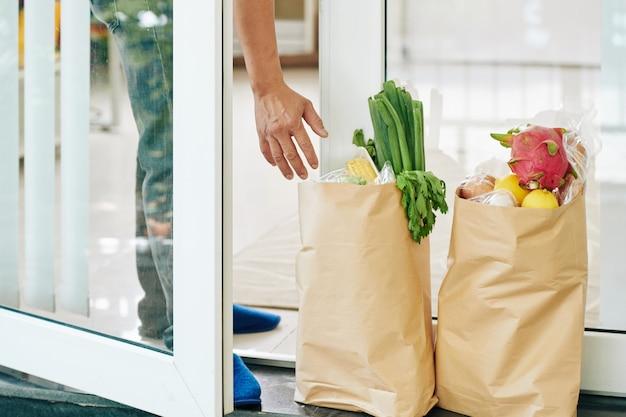Otrzymywanie żywności podczas blokady