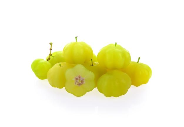 Owoc agrestu gwiazdowego na białym tle