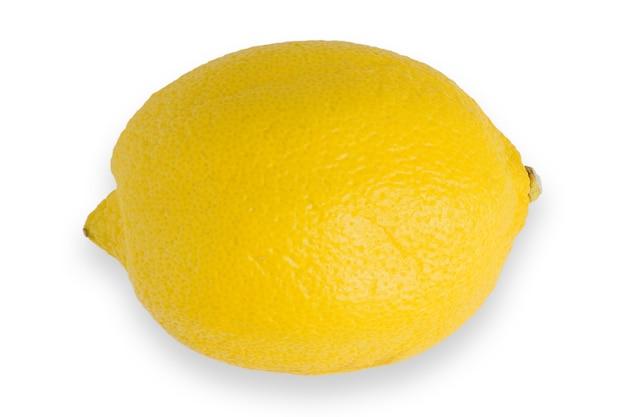 Owoc cytryny z liśćmi samodzielnie na białej powierzchni ścieżka przycinająca.