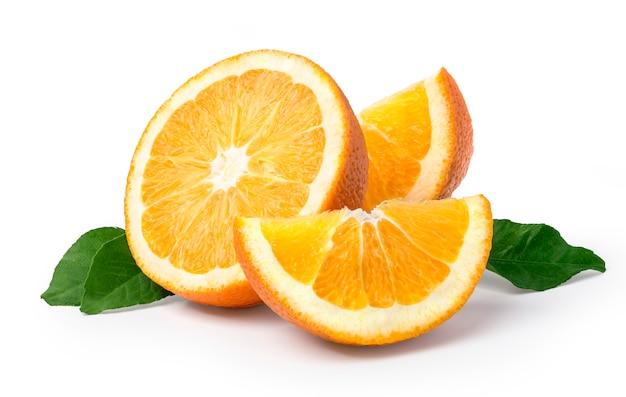 Owoc pomarańczowy na białym tle