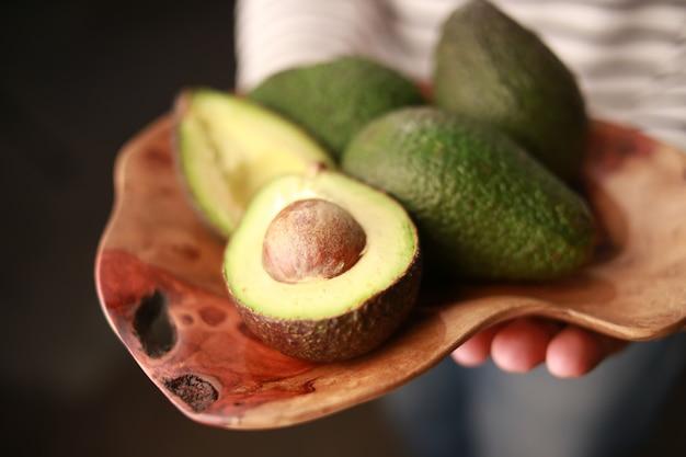 Owoce, awokado.