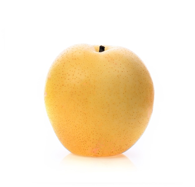 Owoce gruszki nashi na białym tle