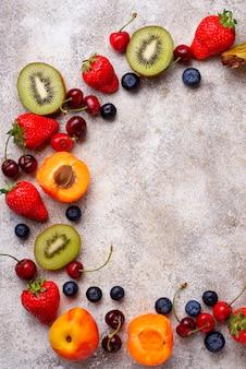 Owoce i jagody lato tło