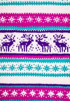 Ozdoba zimowego swetra z jeleniem
