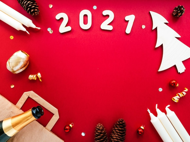 Ozdoby świąteczne craft, torebka papierowa, szampan, rożki, cyfry 2021