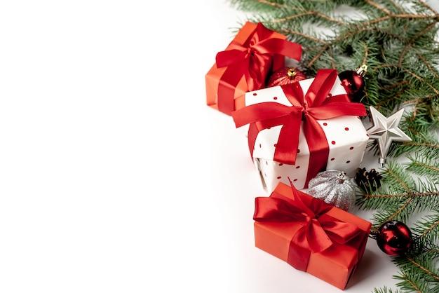 Ozdoby świąteczne i prezenty