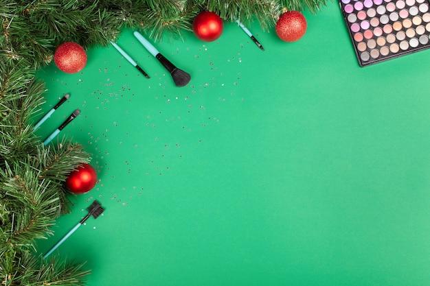 Ozdoby świąteczne I Produkty Do Makijażu Premium Zdjęcia