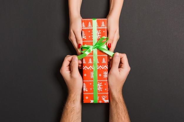 Ozdoby świąteczne. koncepcja szczęśliwego nowego roku.