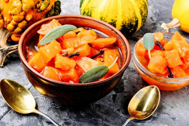 Pachnący dżem z dyni pomarańczowej