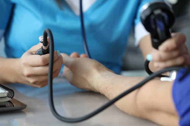 Pacjent na wizycie lekarskiej