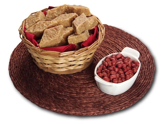 Pacoca - brazylijskie cukierki z orzeszków ziemnych