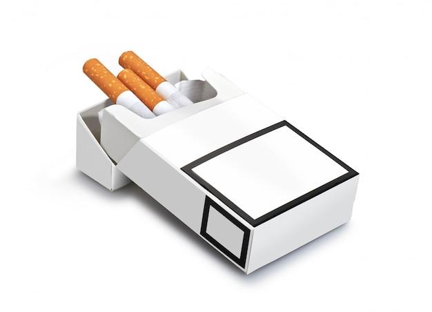 Paczka papierosów na białym tle