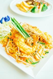 Pad makaron tajski