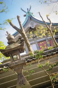Pagoda i świątynia w osace. japonia