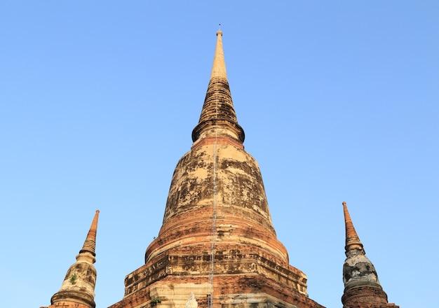 Pagoda przy watem yai chaimongkol, tajlandia